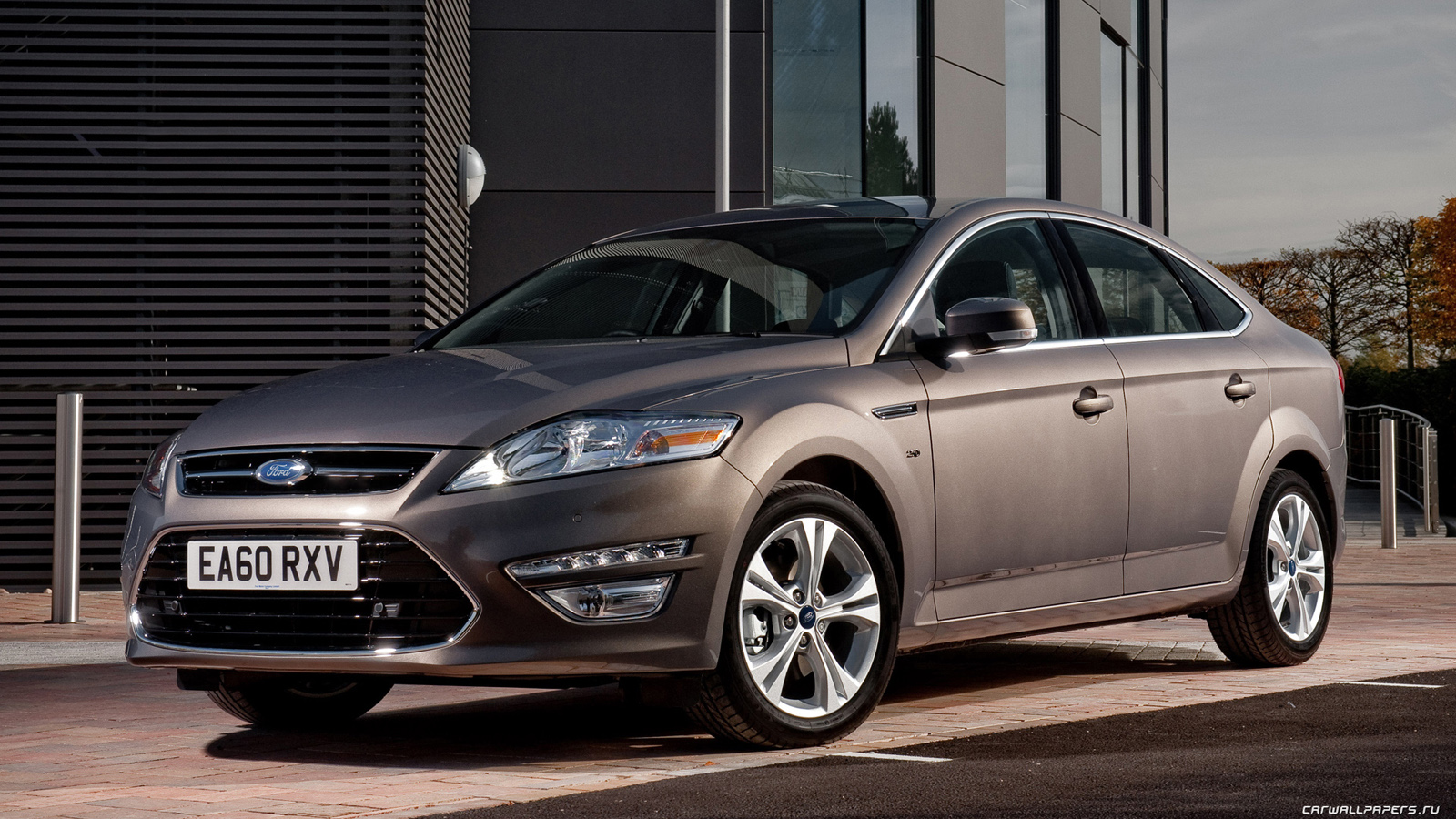 Ford-Mondeo-Hatchback-UK-spec-2010-1600x900-007.jpg ...