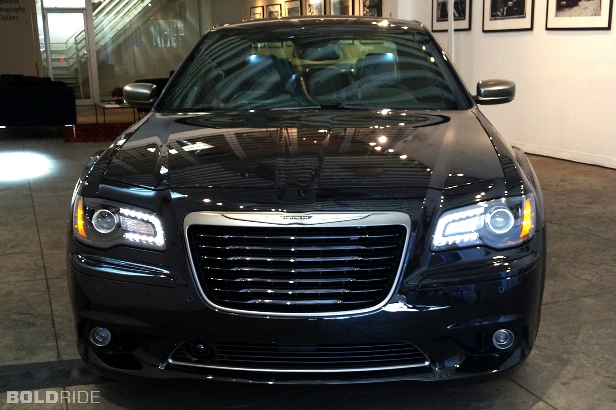 2013 Chrysler 300C John Varvatos Edition 1280 x 1080