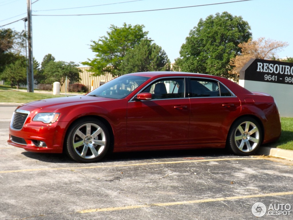 2013 Chrysler 300C Red
