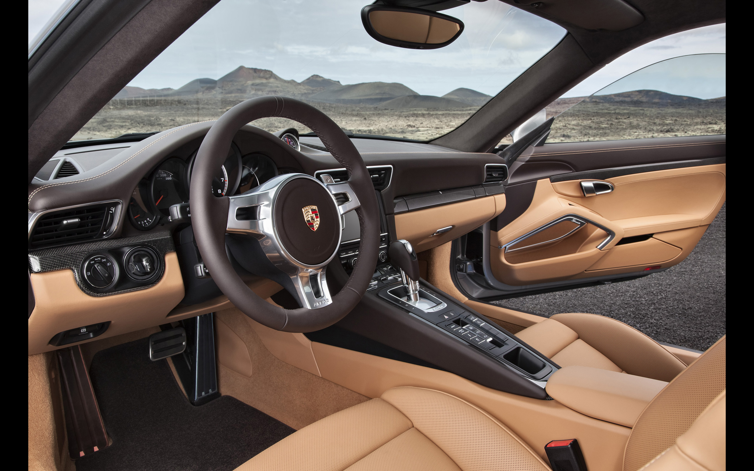 Porsche Macan White Interior Wallpaper 1024x768 22448