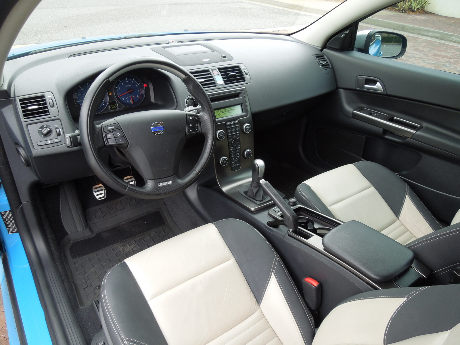 Picture of 2013 Volvo C30 T5 R-Design Platinum, interior