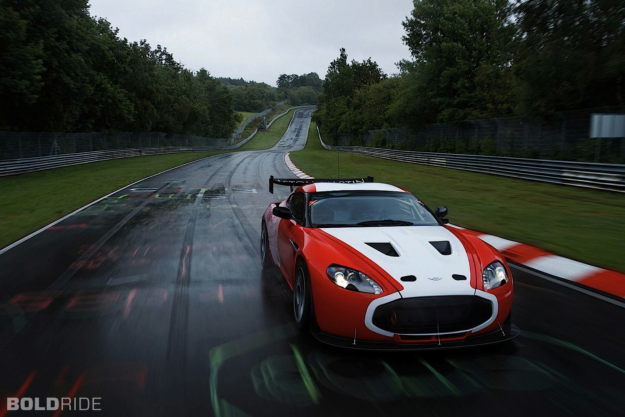 2011 Aston Martin V12 Zagato Race Car 1600 x 1200