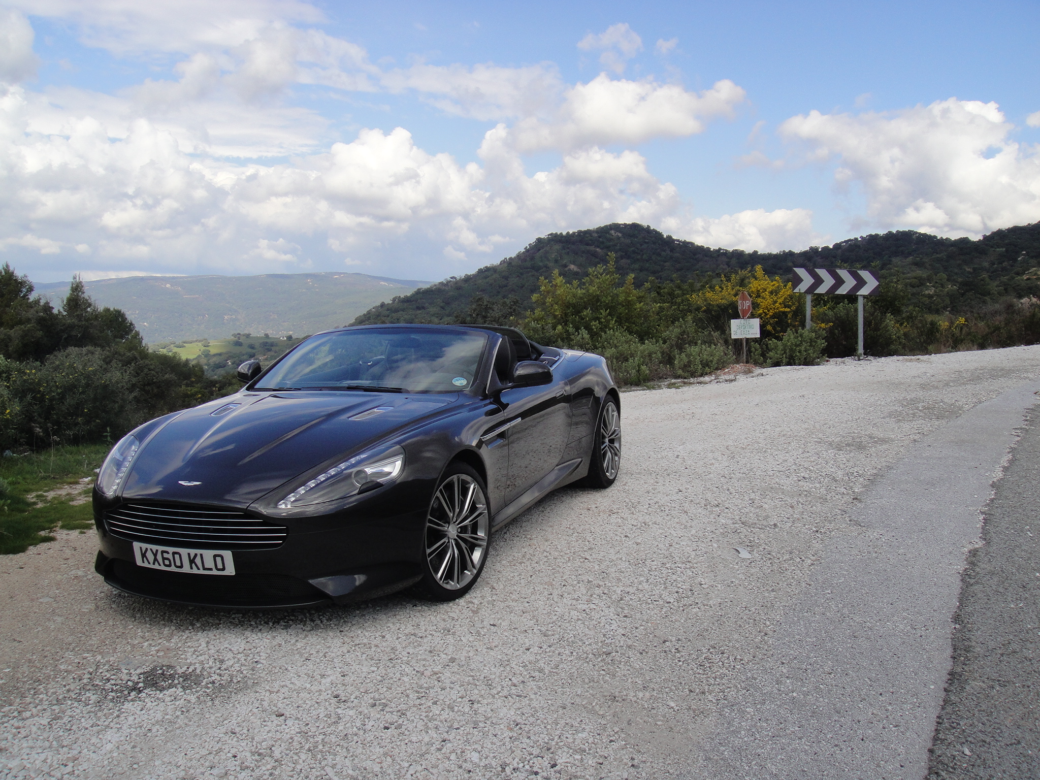 Aston Martin Virage Black