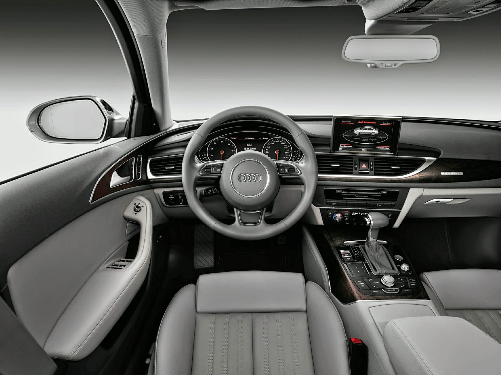 Interior view of 2014 Audi A6