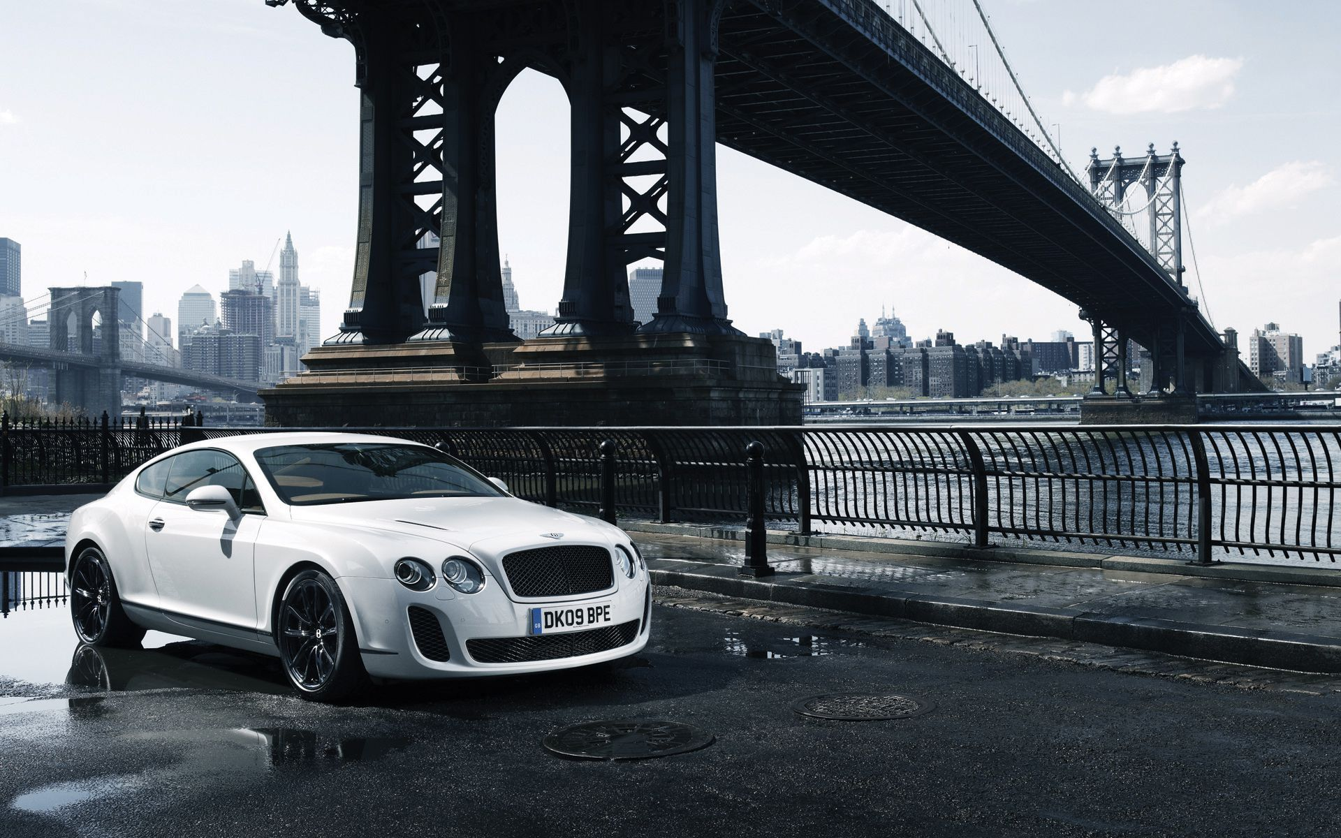 Bentley Continental Gt White Wallpaper