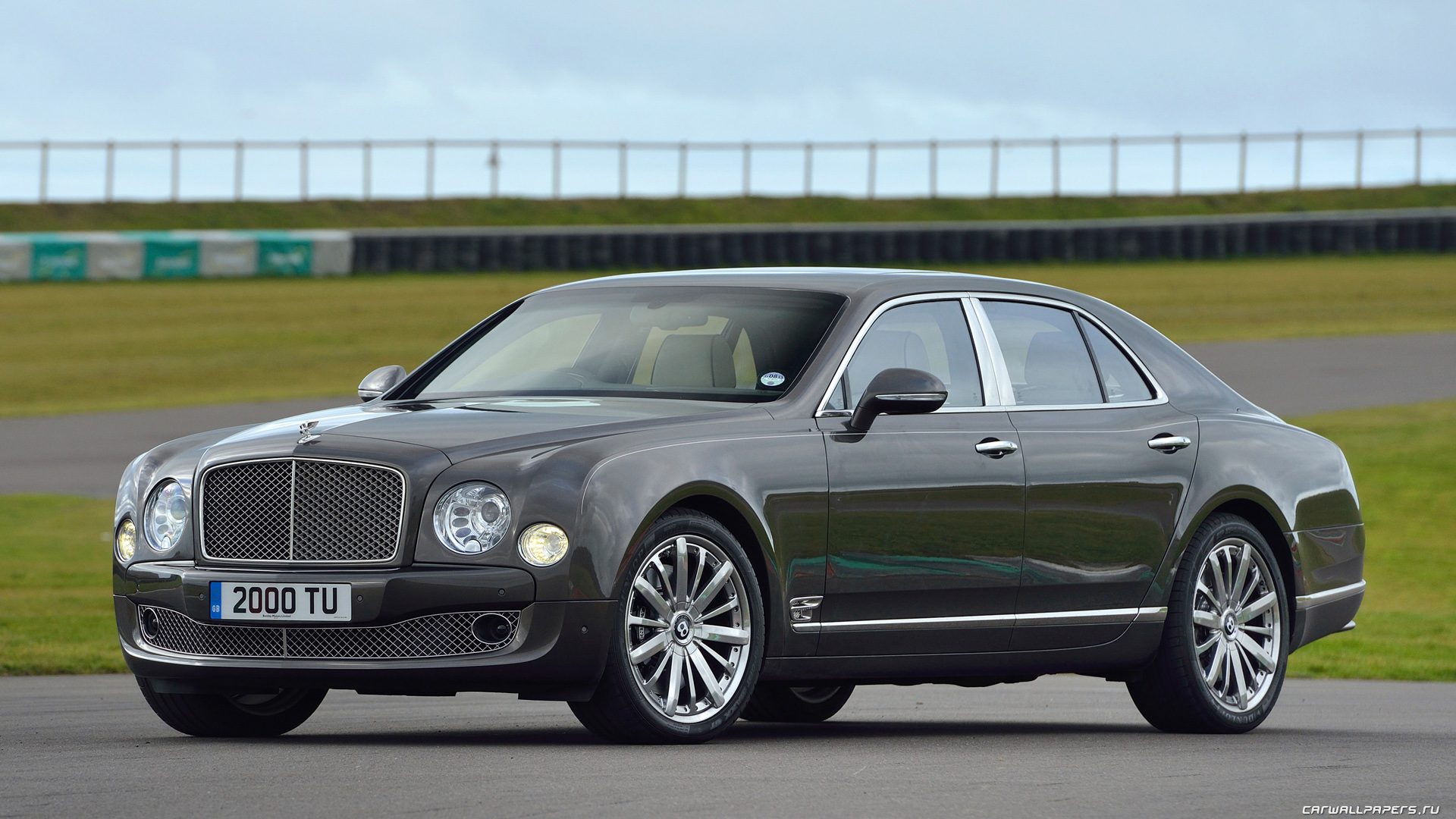 Обои автомобили Bentley Mulsanne - 2013
