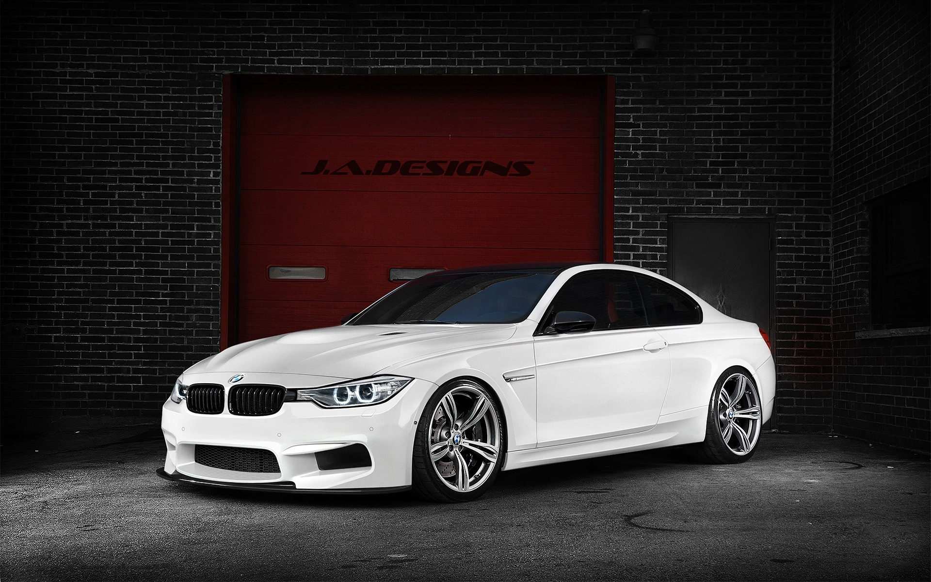 original wallpaper download: White BMW M4 - 1920x1200