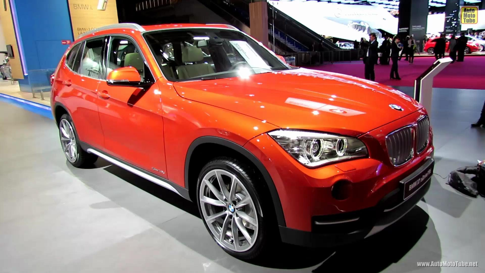2013 BMW X1 sDrive 16d xLine - Exterior and Interior Walkaround - 2012 Paris Auto Show