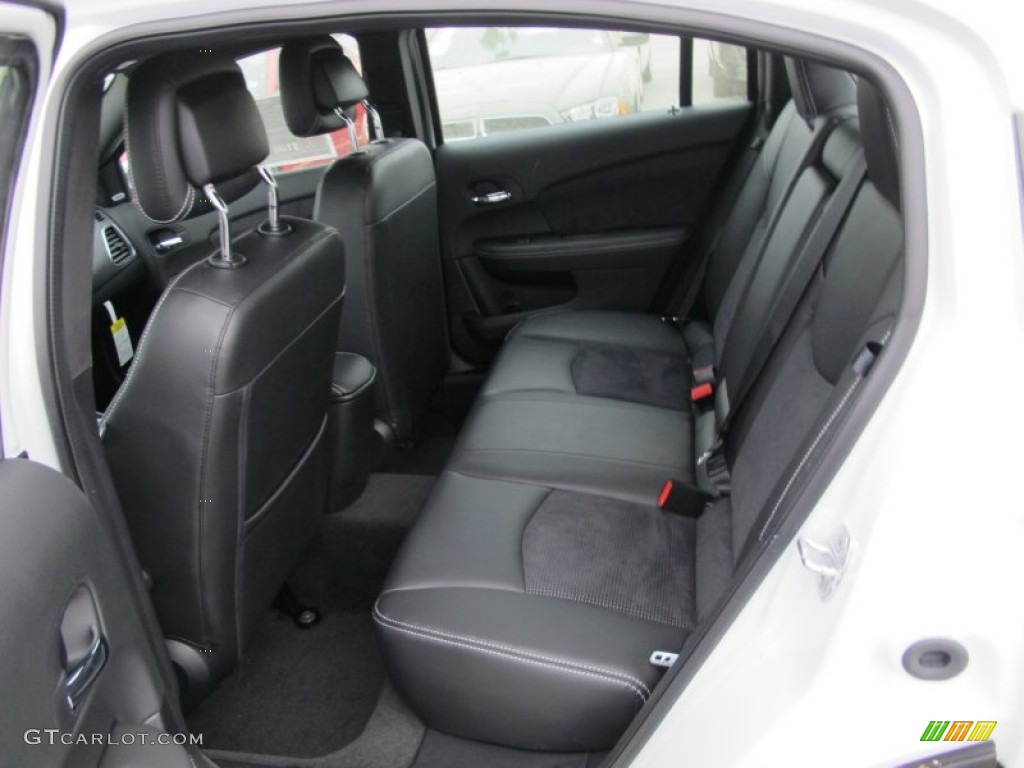 Chrysler 200 2012 Interior