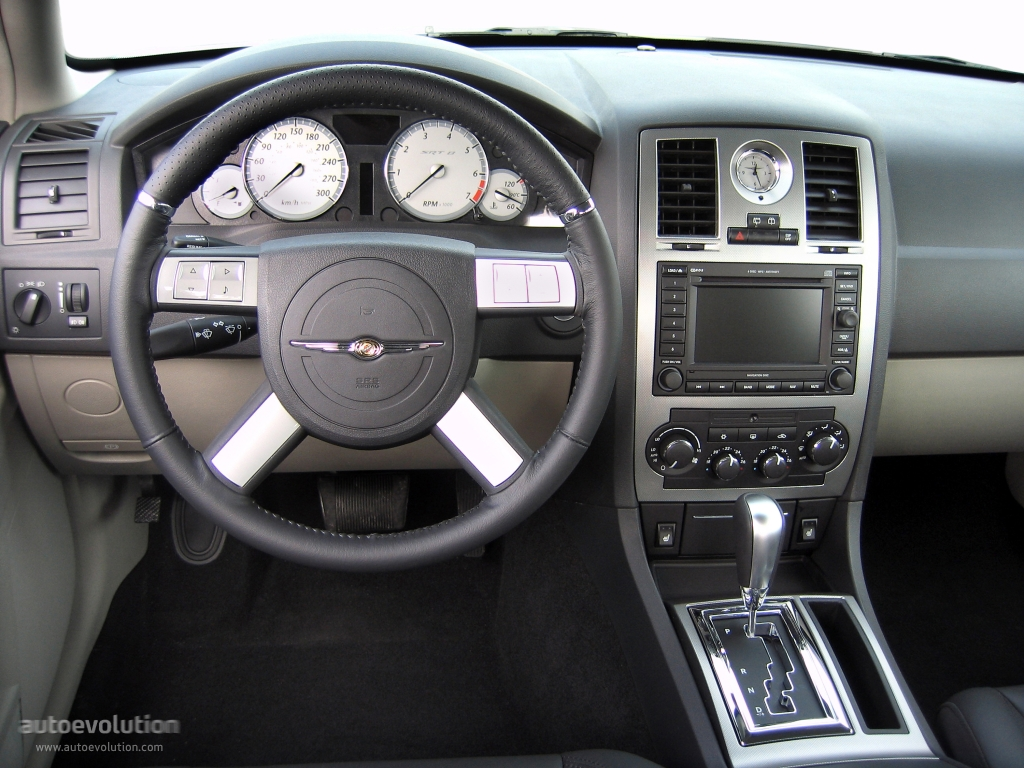 interior. CHRYSLER 300C ...