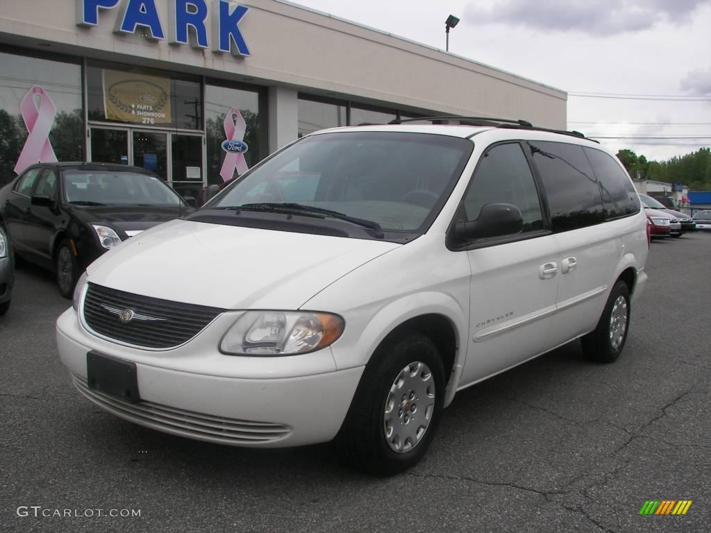 ... Chrysler Town and Country 2001 #7 ...