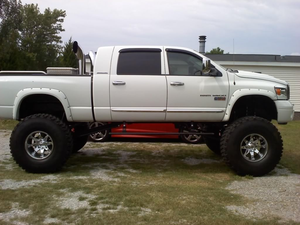 Dodge Ram 2500 Lifted With Stacks