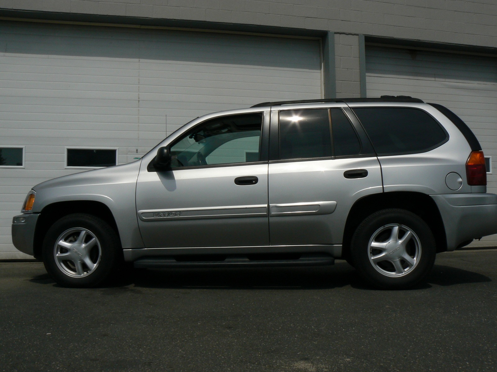 gmc envoy with photo gallery