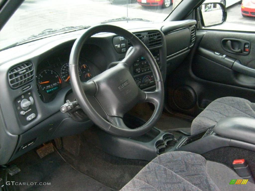 2002 GMC Sonoma SLS Crew Cab 4x4 Interior Color Photos