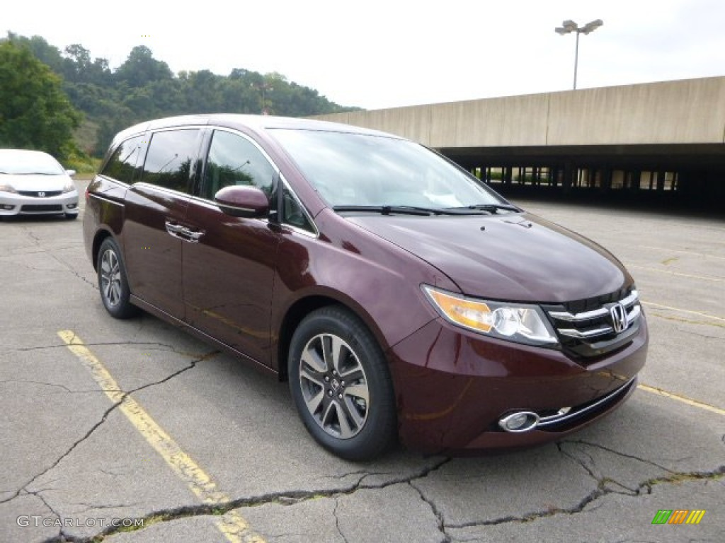 Don't forget to share! Honda Odyssey 2014 Red