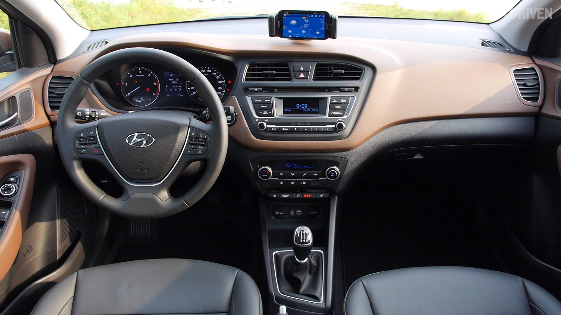 2015 Hyundai i20 (Interior shots)