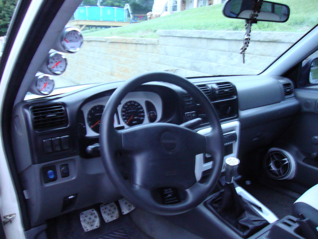 Isuzu Rodeo 1999 Interior