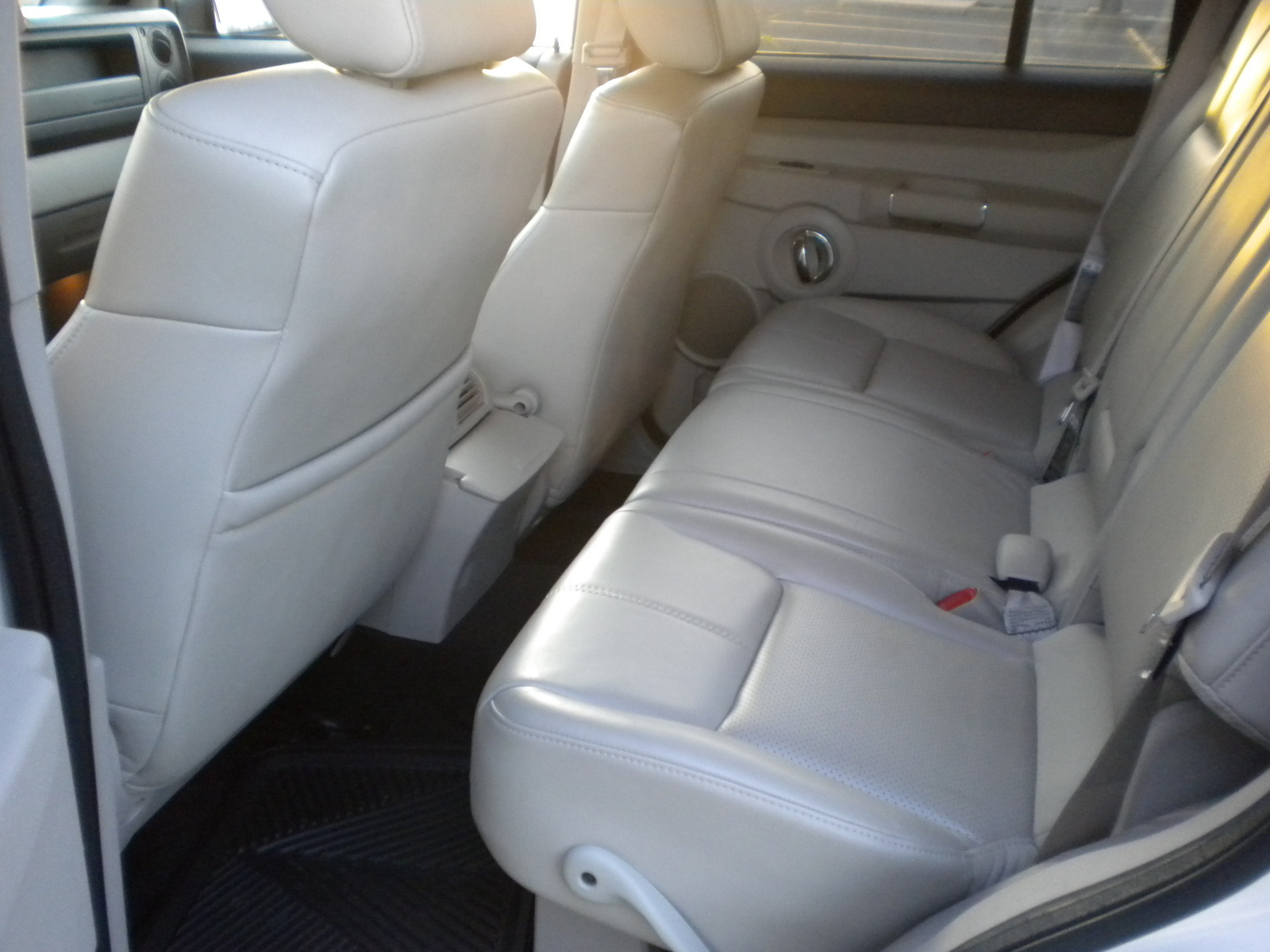 2006 Jeep Commander Limited Interior