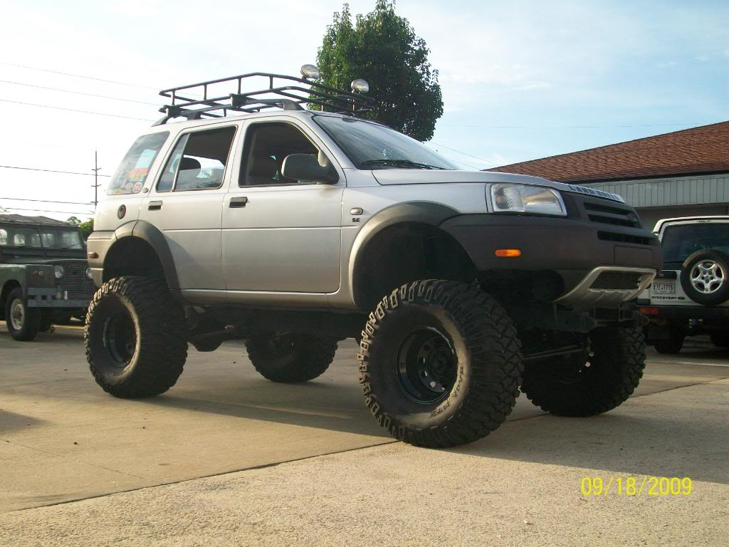 Land Rover Freelander Lifted Wallpaper 1024x768 15749