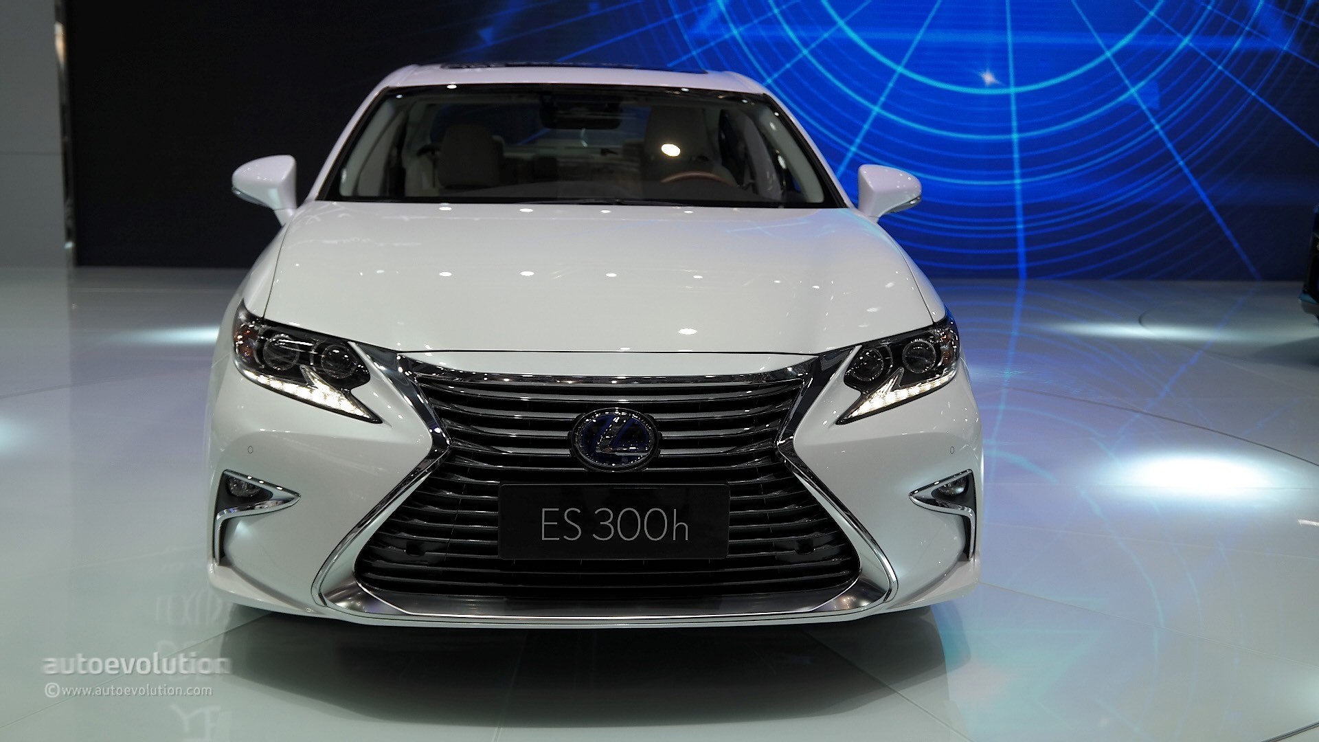 2016 Lexus ES - photo gallery