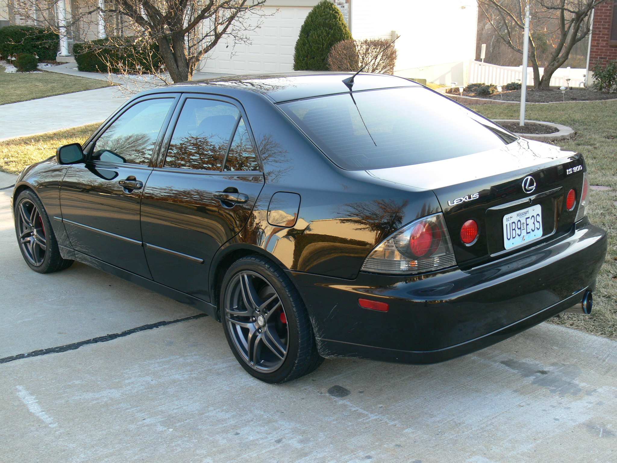Lexus IS300 Black