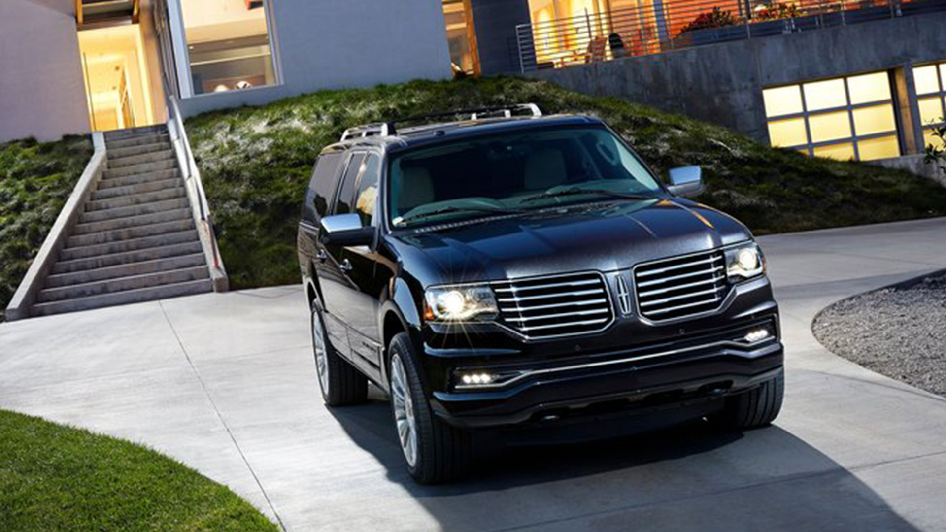 ... 2015 Lincoln Navigator Commercial Black