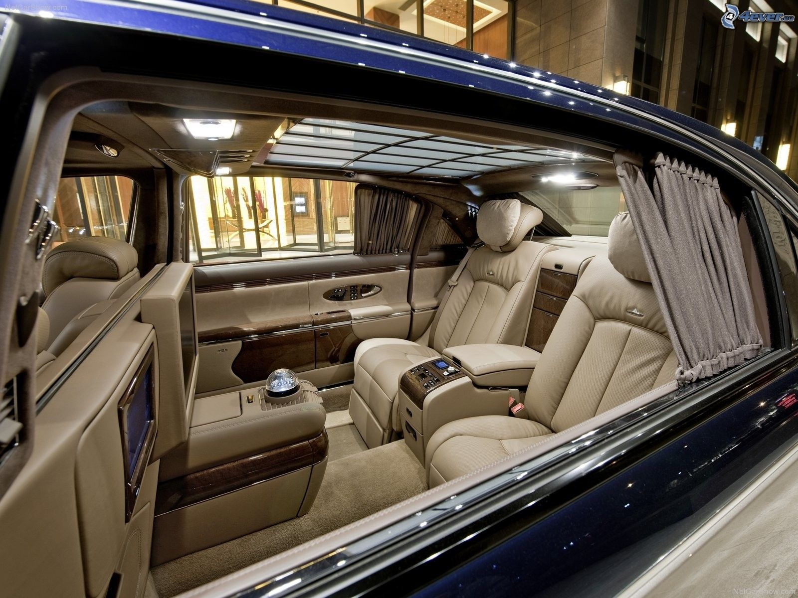 Maybach 62s Interior