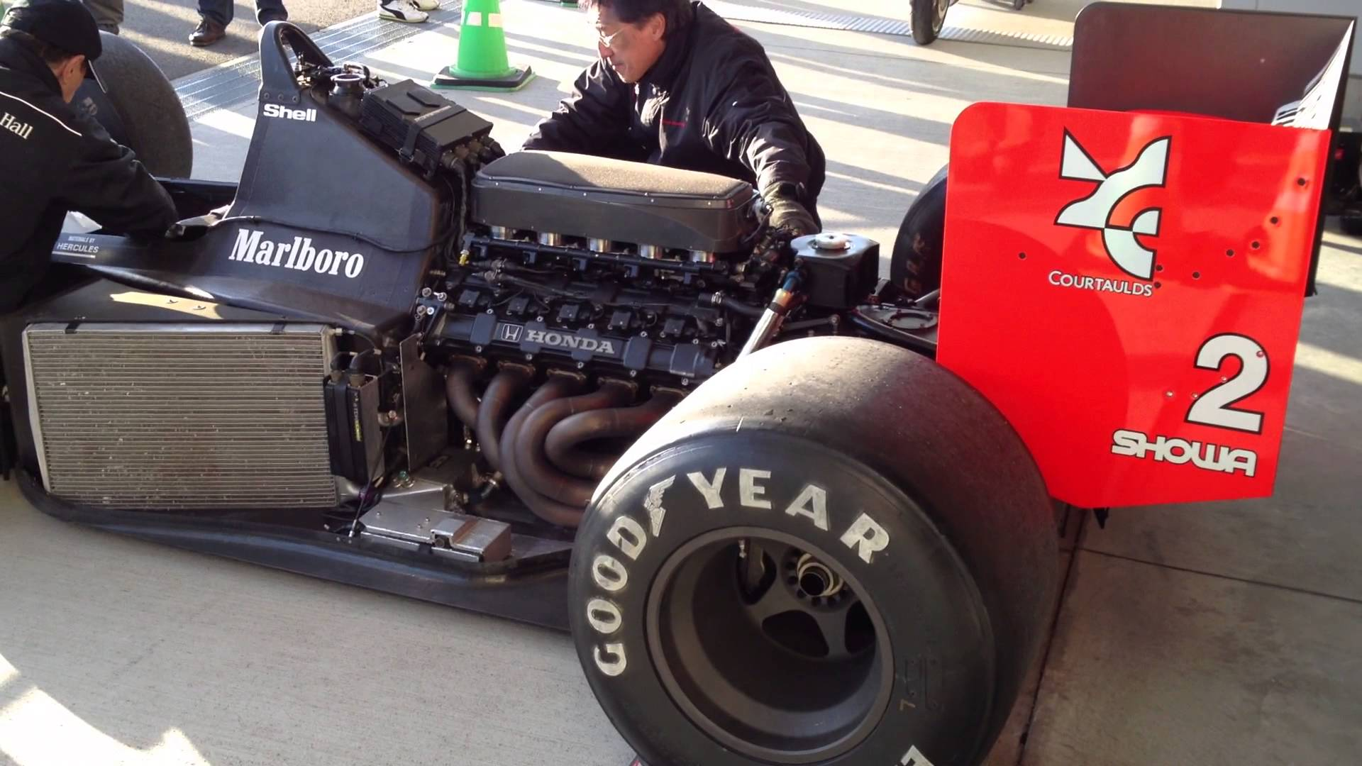 McLaren MP4/4 Engine