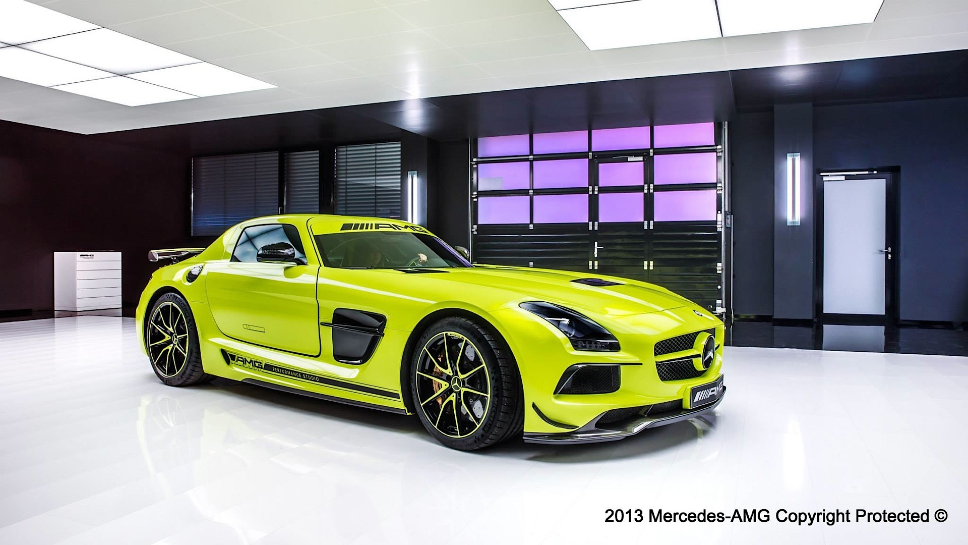 Mercedes-Benz SLS AMG Black Series - photo gallery
