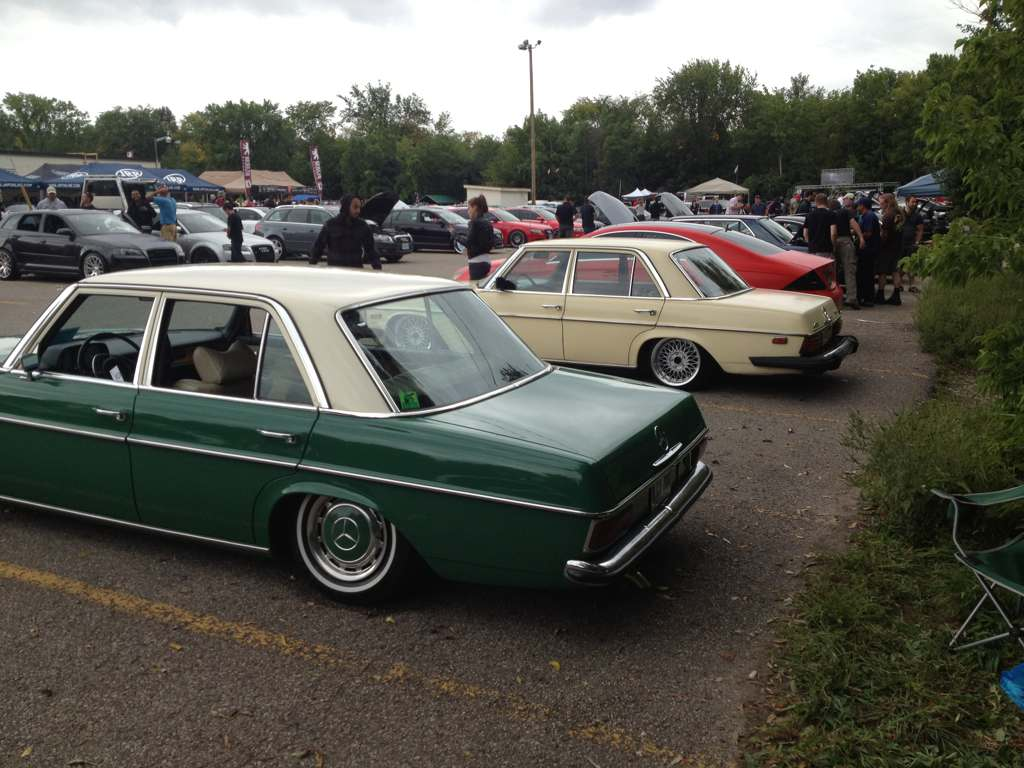 The third w114/115 I've seen in person actually being used on the road alongside my green machine at Berlin Klassik in Kitchener, Ontario this year.