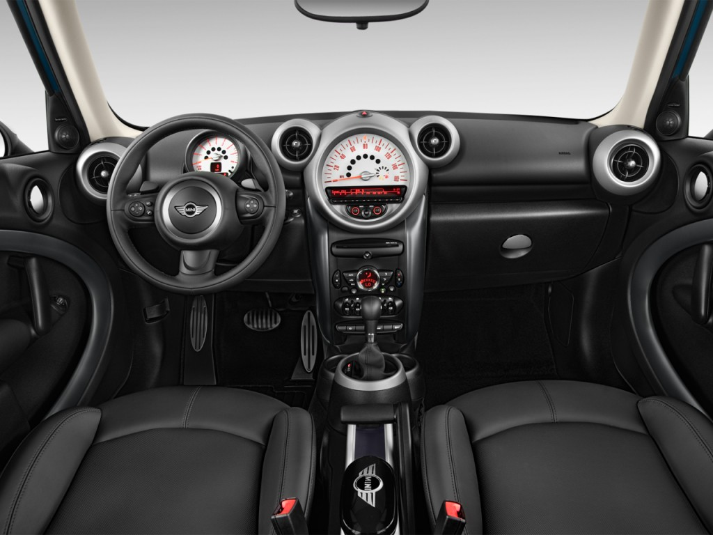 2013 Mini Countryman Interior