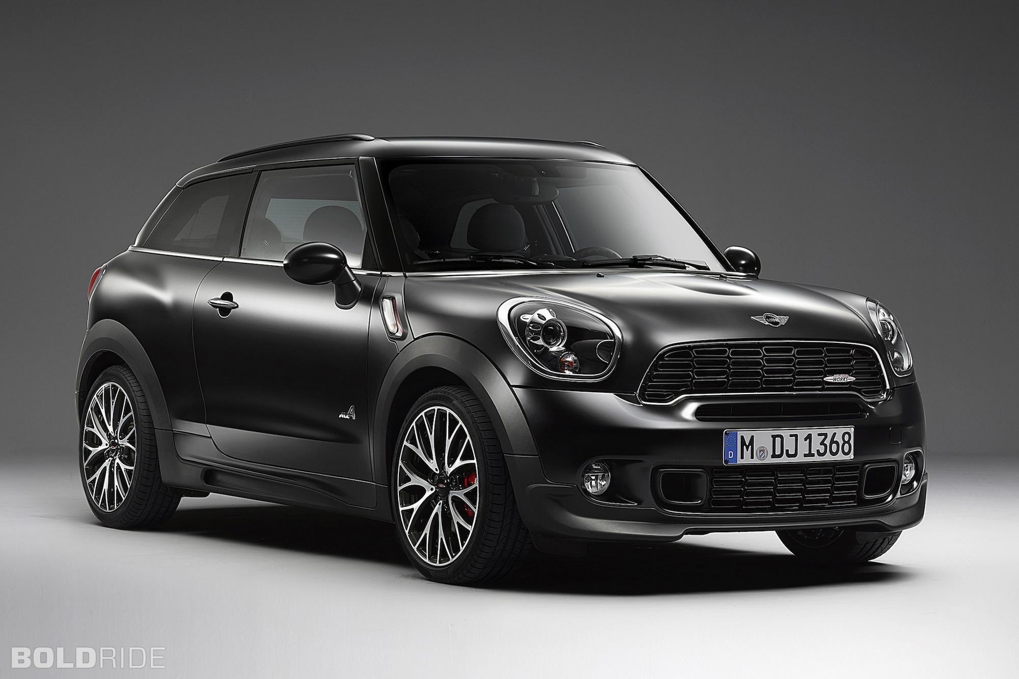 2014 Mini John Cooper Works Paceman Frozen Black 2000 x 1333