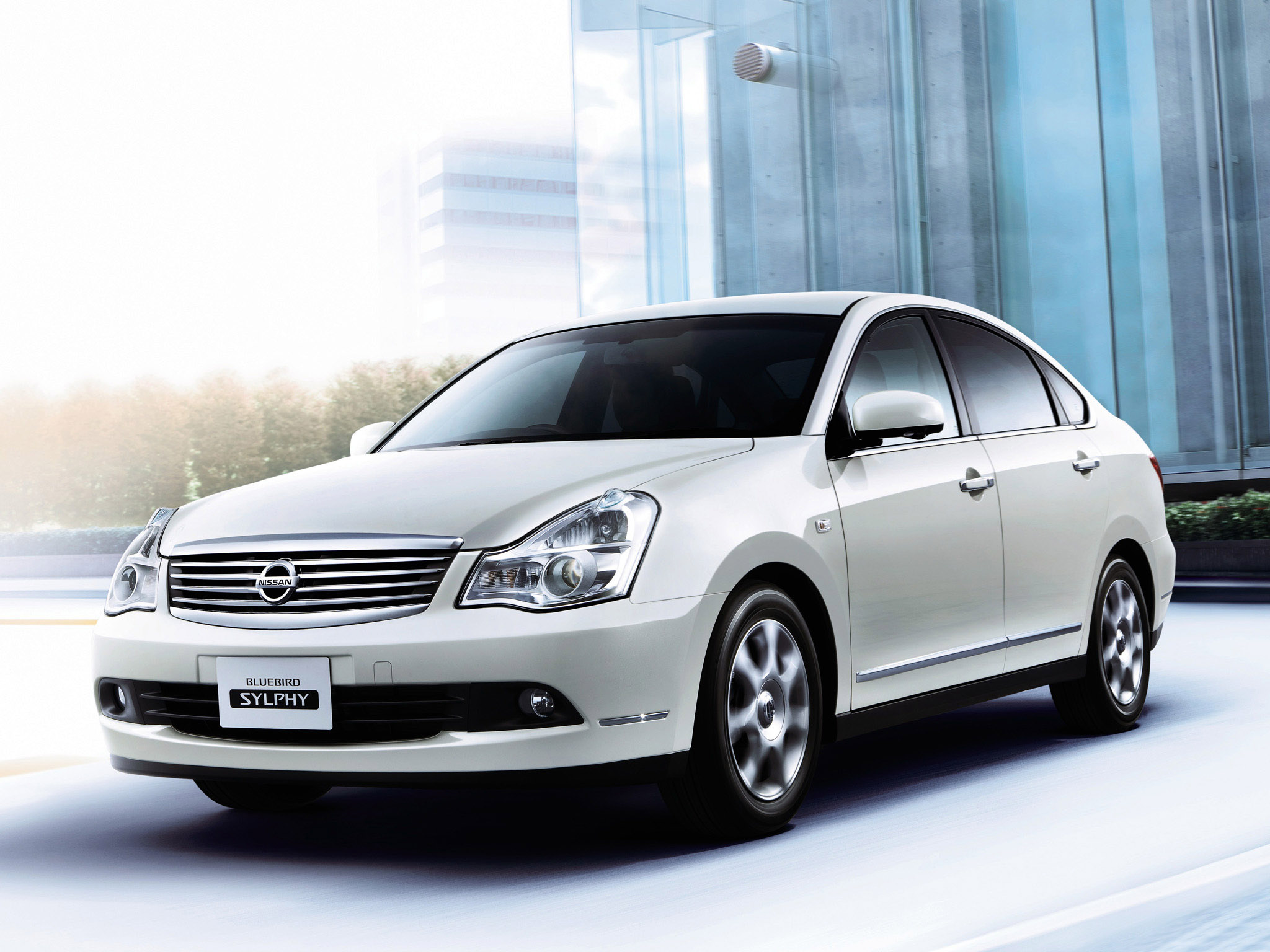 Nissan Bluebird Sylphy: 08 photo