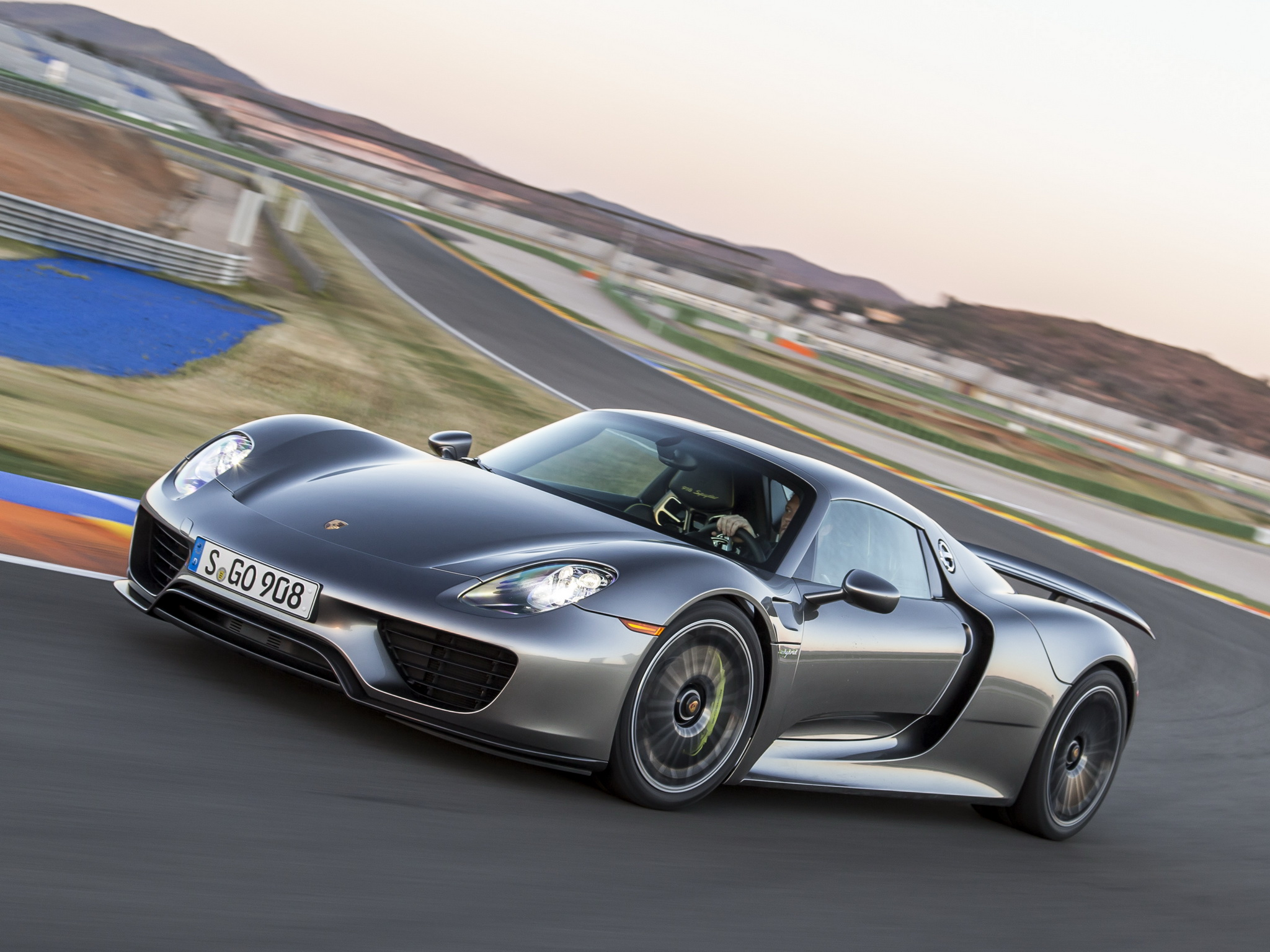 2014 Porsche 918 Spyder supercar r wallpaper background