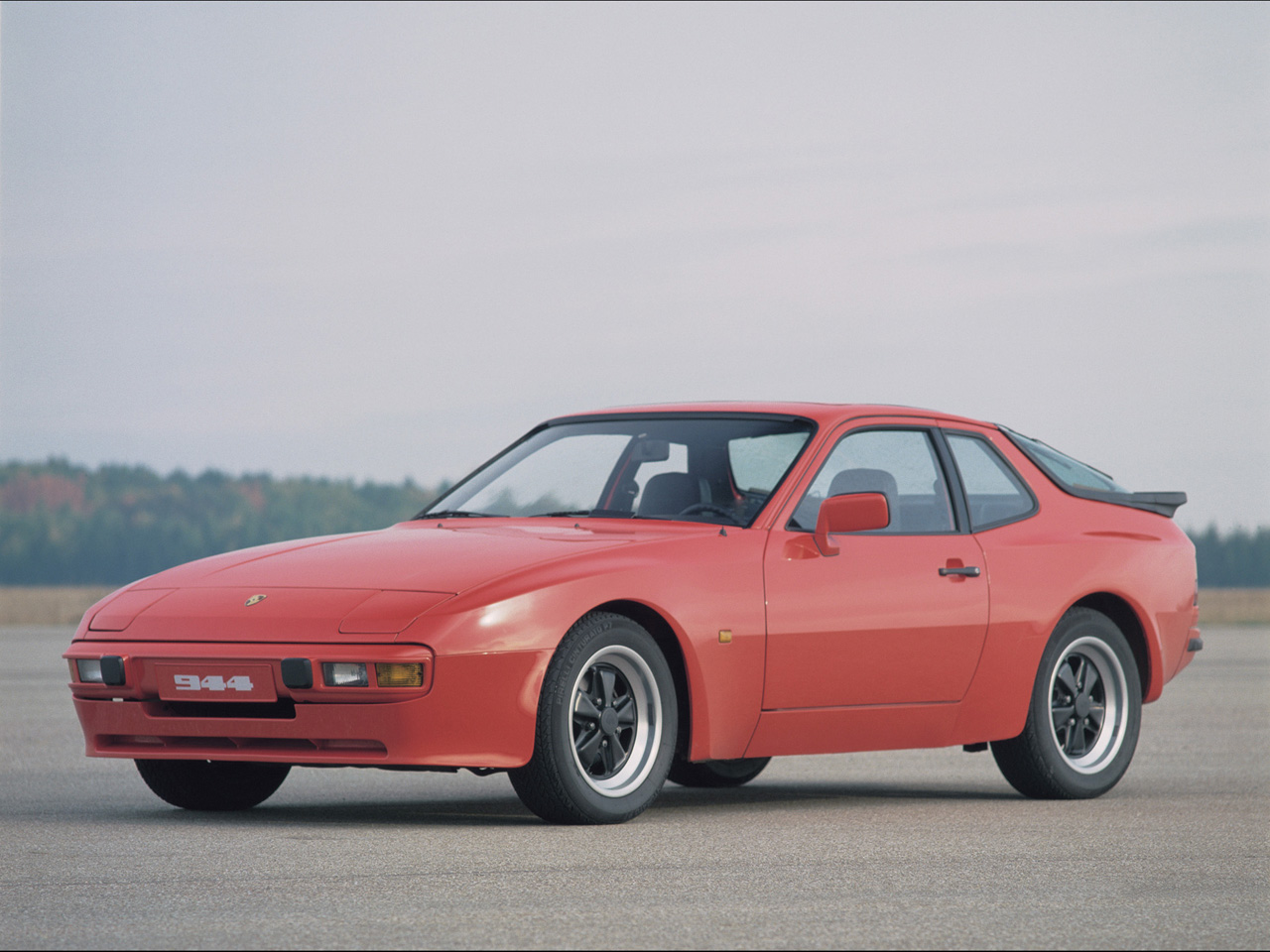 Porsche 944 Period Photos Porsche 944 Period Photos - 1982 2 - 1280x960 - Wallpaper