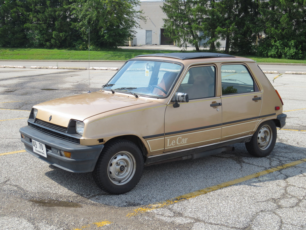 Cohort Sighting: Renault LeCar – What To Drive To Le Mall in 2014