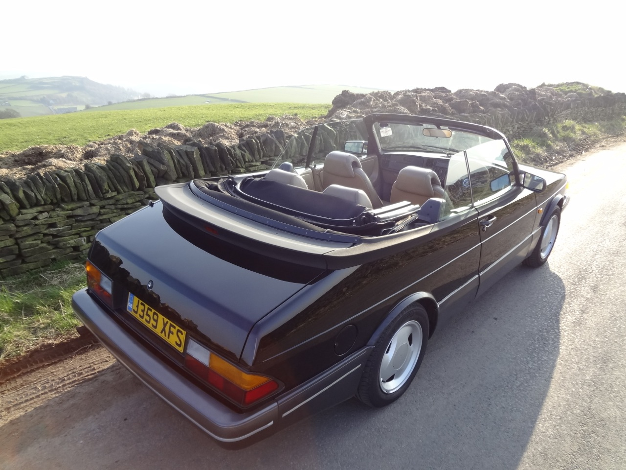 Saab 900 Convertible Black
