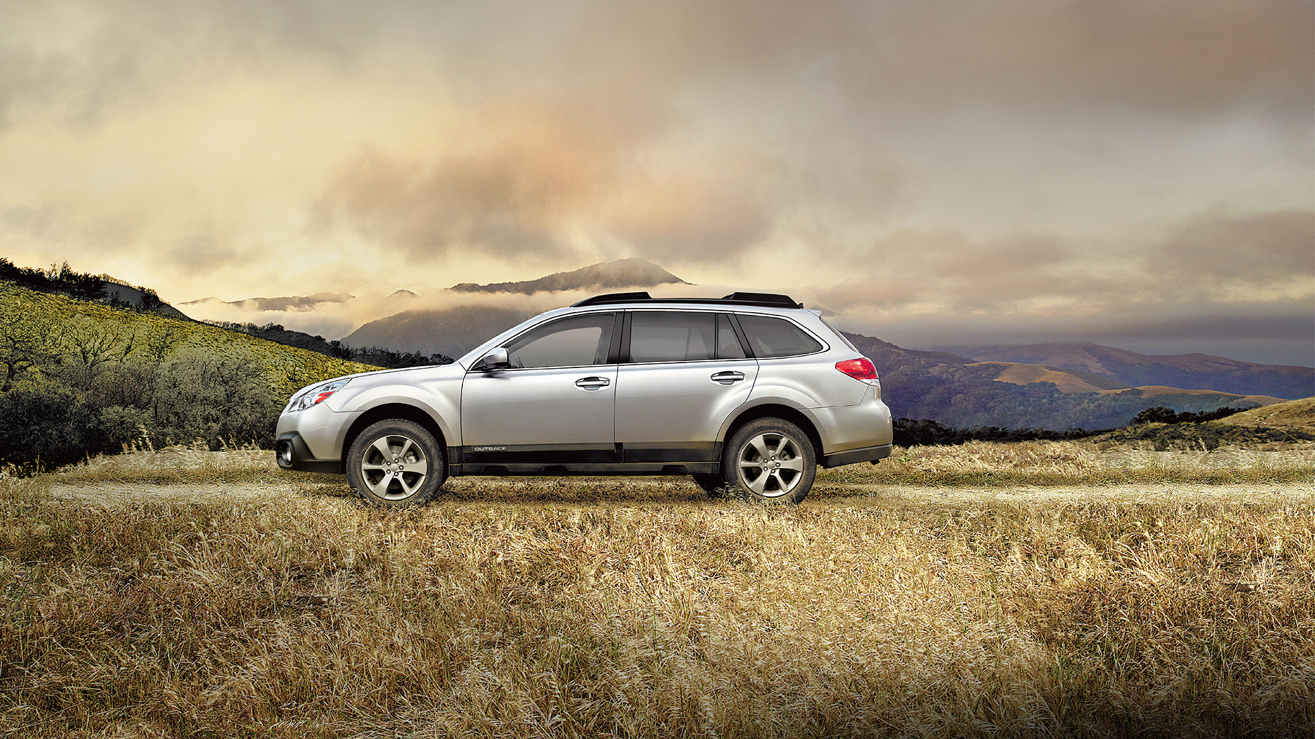 2014 Subaru Outback | Wallpaper | Golden Hillside Overlook