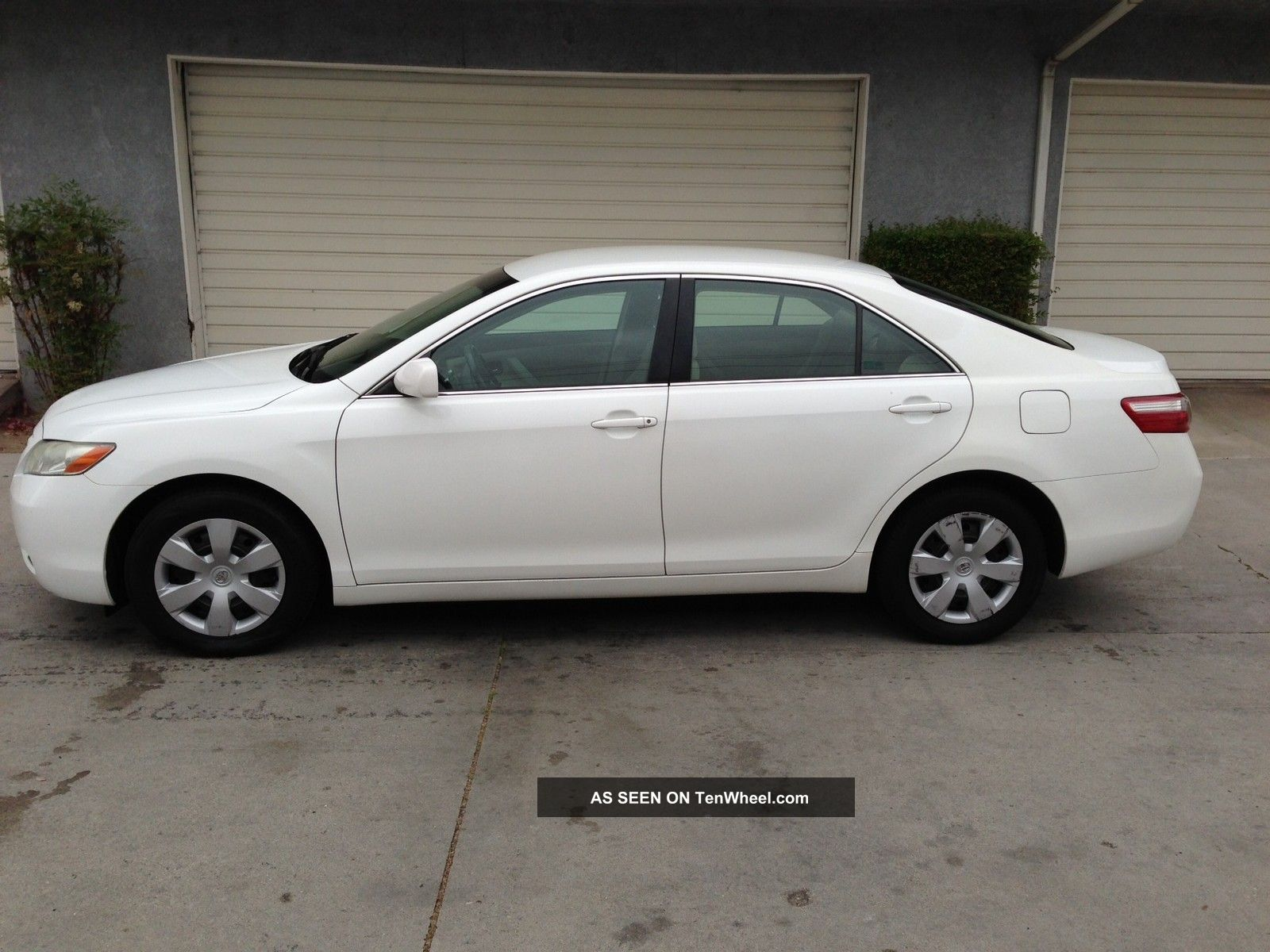 2007 White Toyota Camry Le With Extended Warrantly Camry photo 1 ...