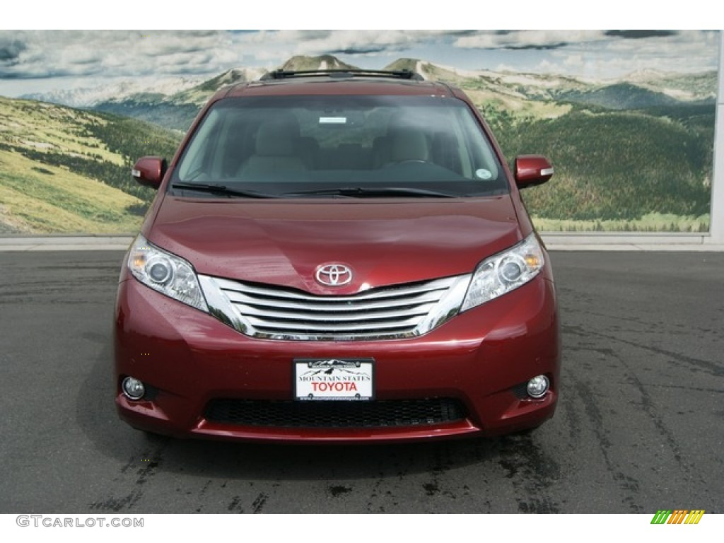 Toyota Sienna 2013 Red
