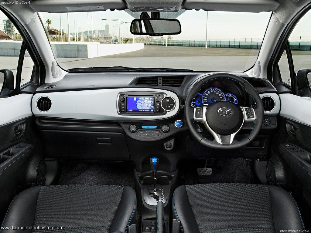 Toyota Yaris 2014 Interior