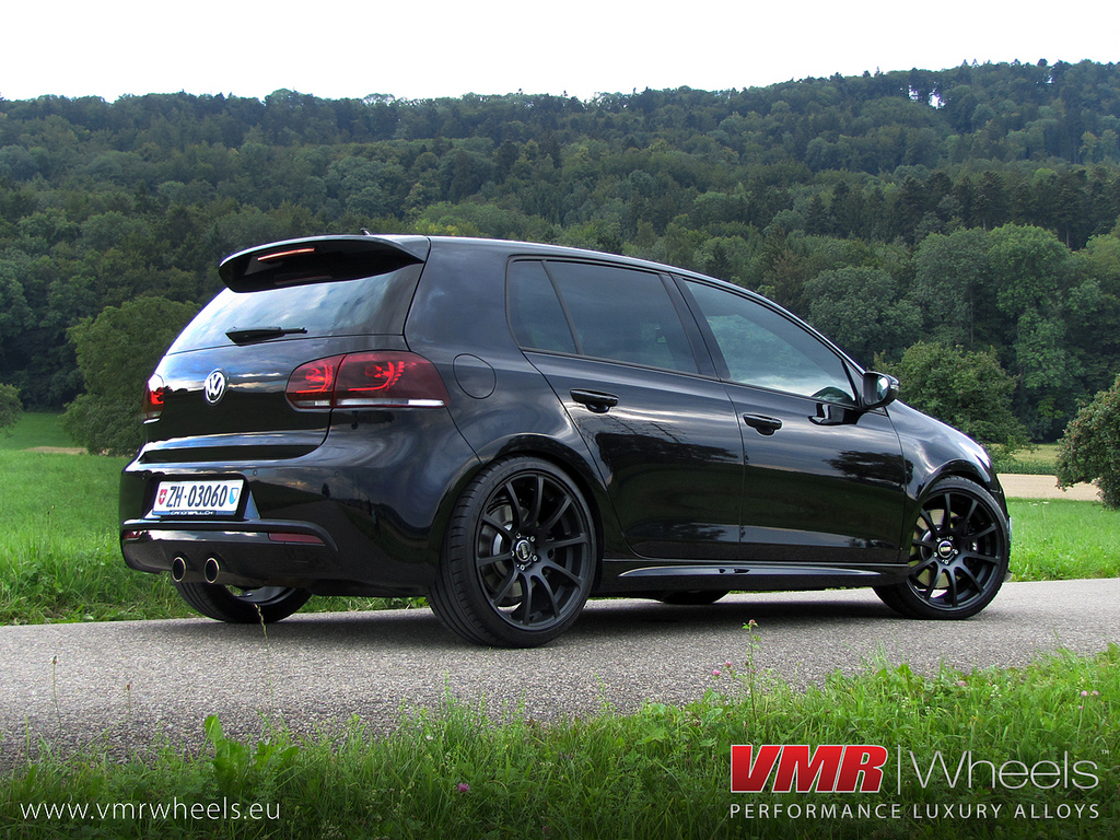 Volkswagen e-Golf Black