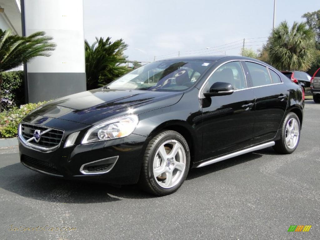 Black / Beechwood Brown/Off Black Volvo S60 T5