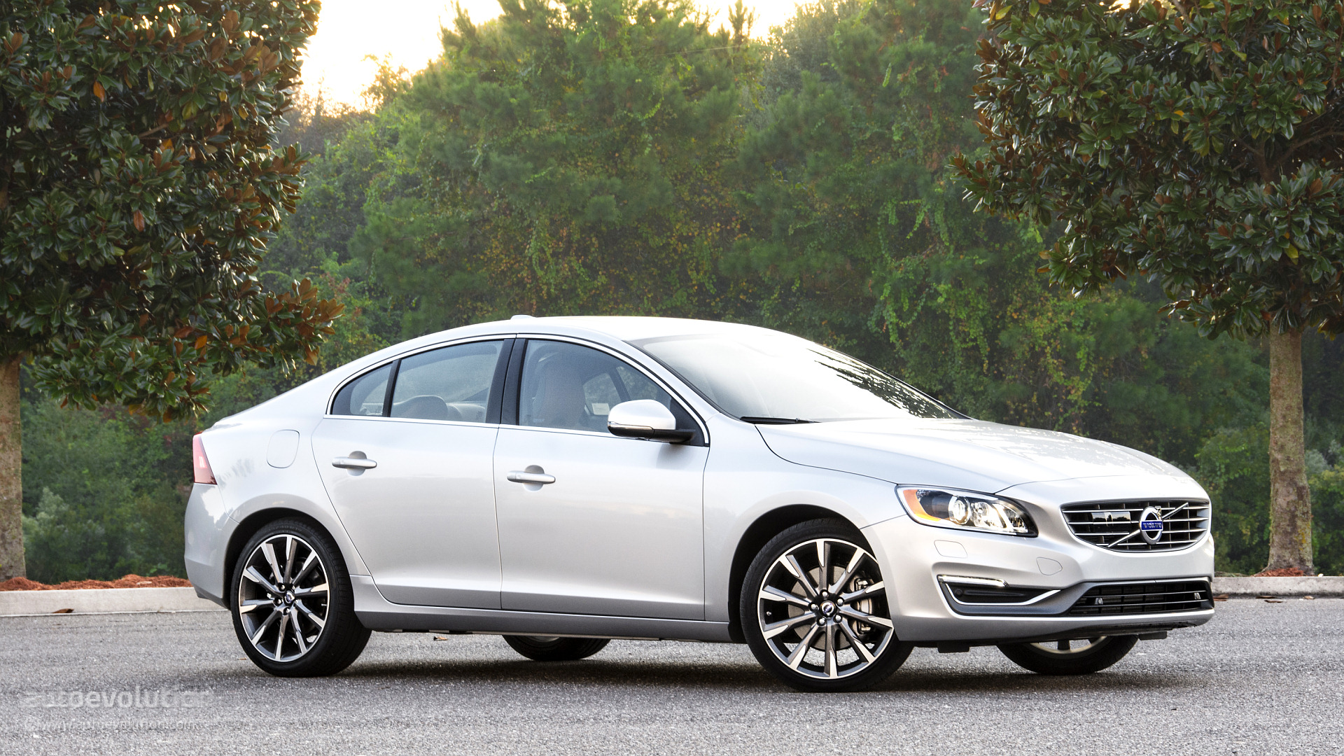2015 Volvo S60 T6 Drive-E Wallpapers