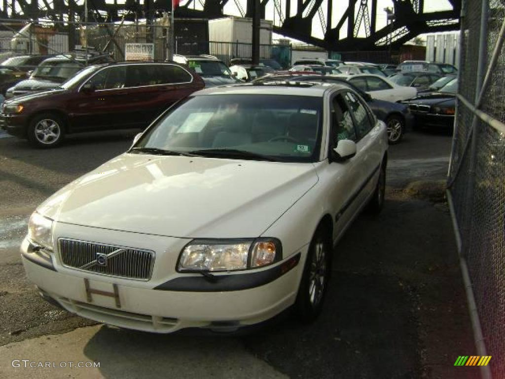 2000 Volvo S80 2.9 - White Color / Taupe/Light Taupe Interior