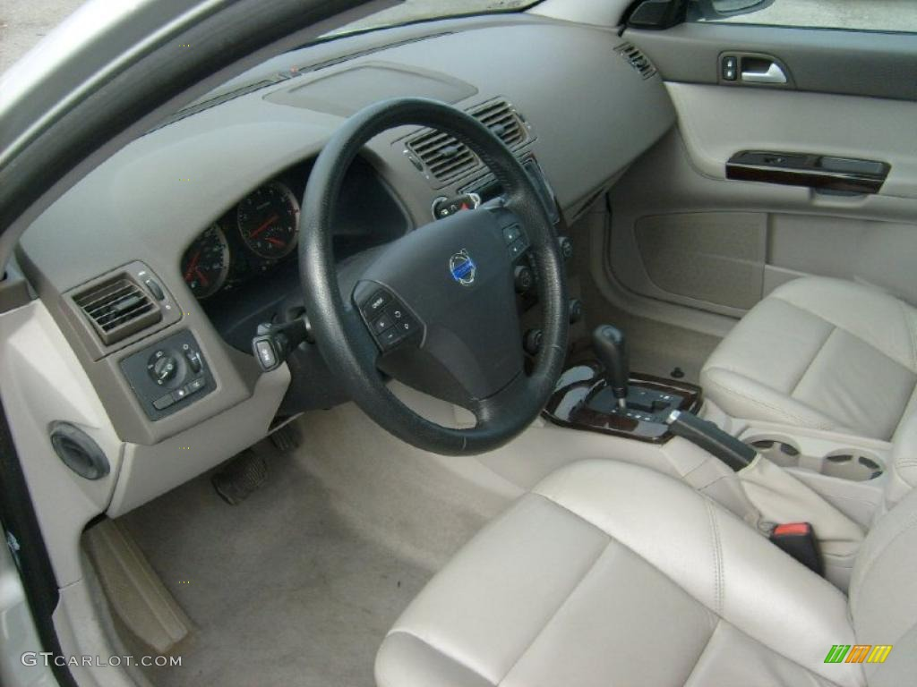Dark Beige/Quartz Interior 2007 Volvo V50 2.4i Photo #46478691